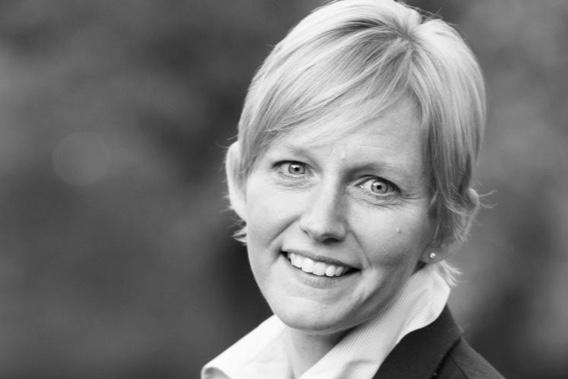 Black and white portrait of Sonja Visser.
